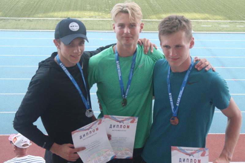 Смоляне выиграли две золотых медали на первенстве России по многоборьям