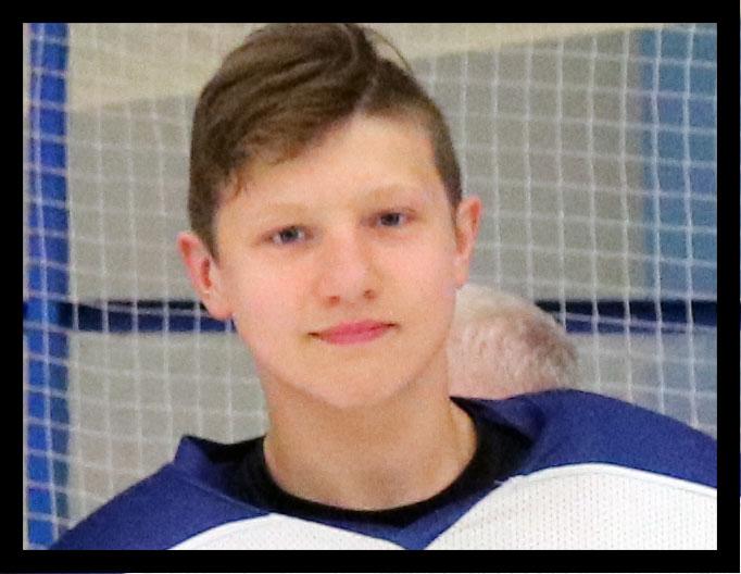 В кошмарной аварии в Смоленской области погибли хоккеист и его мама