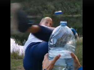 В Смоленске эффектный трюк тренера по карате сняли на видео