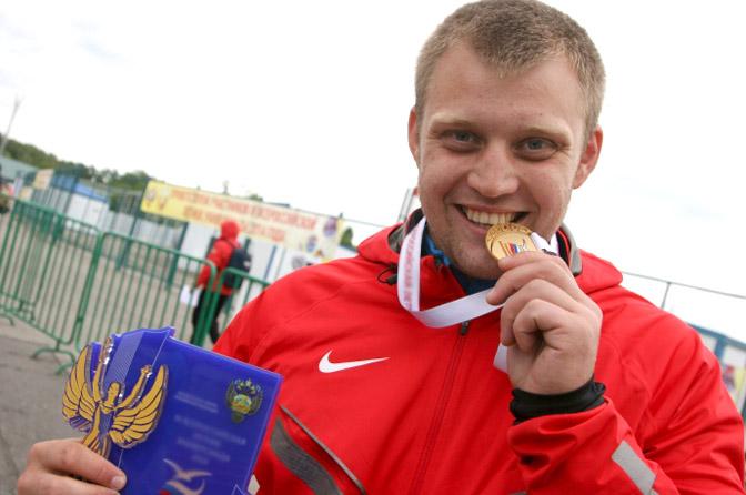 Смоленский легкоатлет уверенно выиграл золото чемпионата России