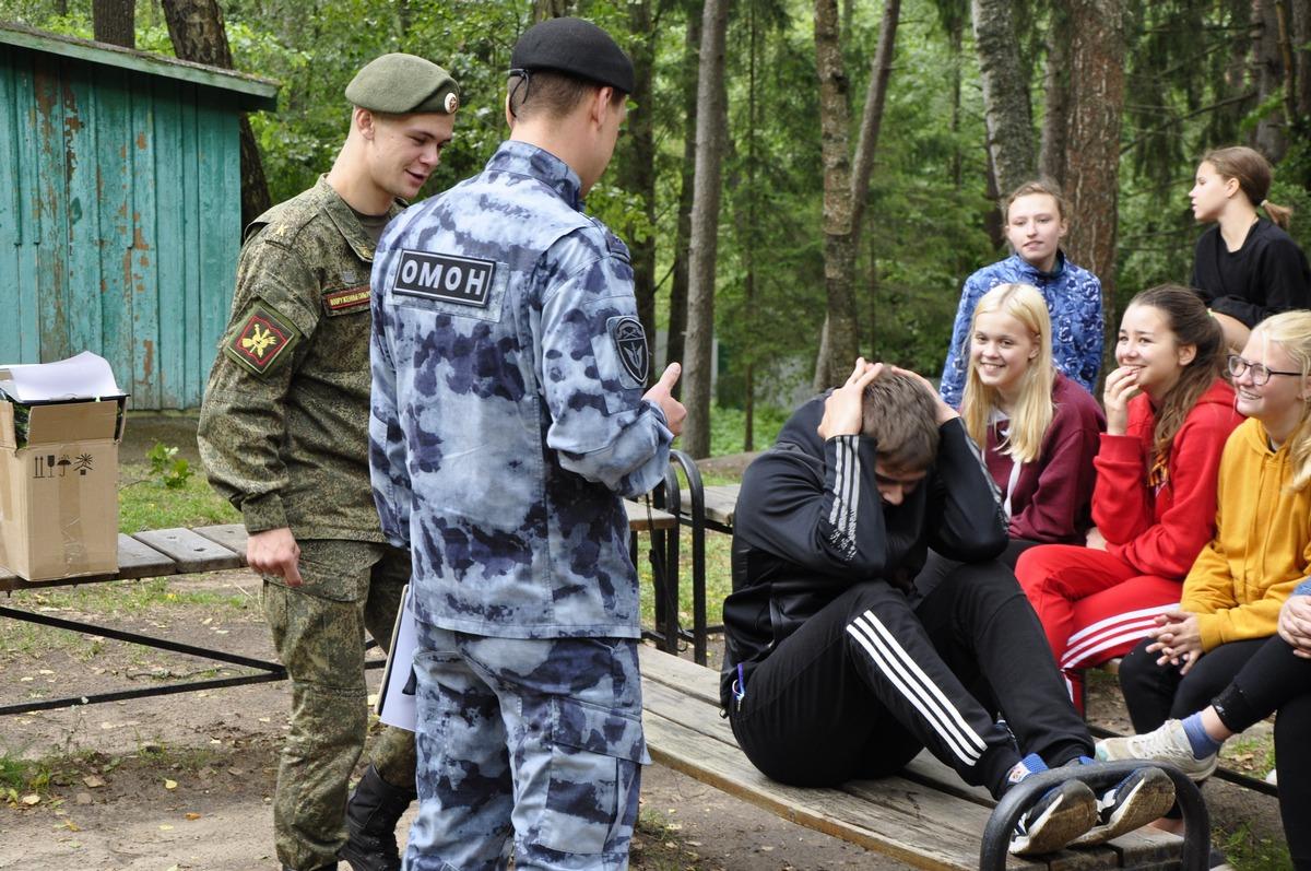 Смоленские росгвардейцы провели спортивную эстафету в детском лагере «Салют»