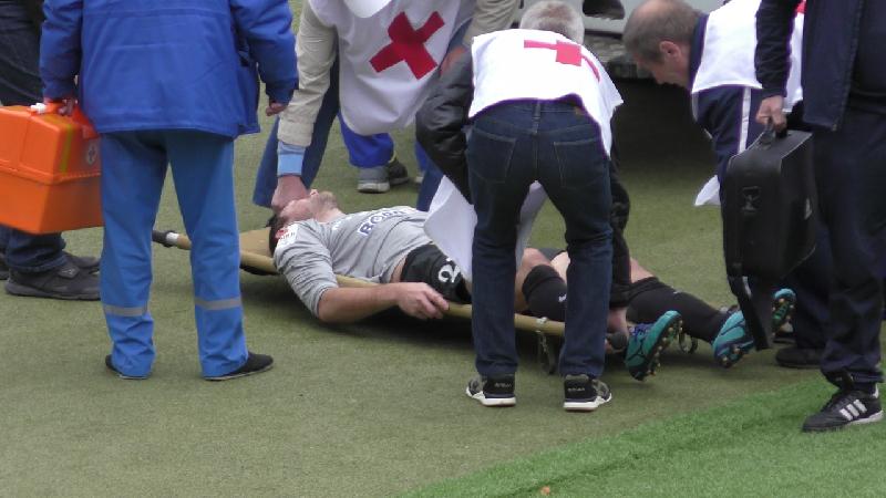 «Столкнулся с соперником, потерял сознание и был срочно эвакуирован на скорой». Смолянин стал свидетелем тяжелой травмы футболиста