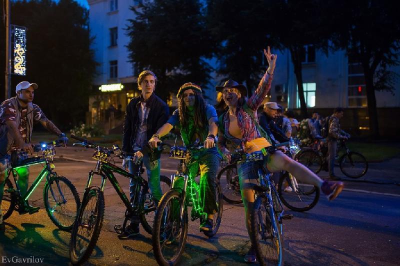 В Смоленске готовятся к проведению ночного велопарада
