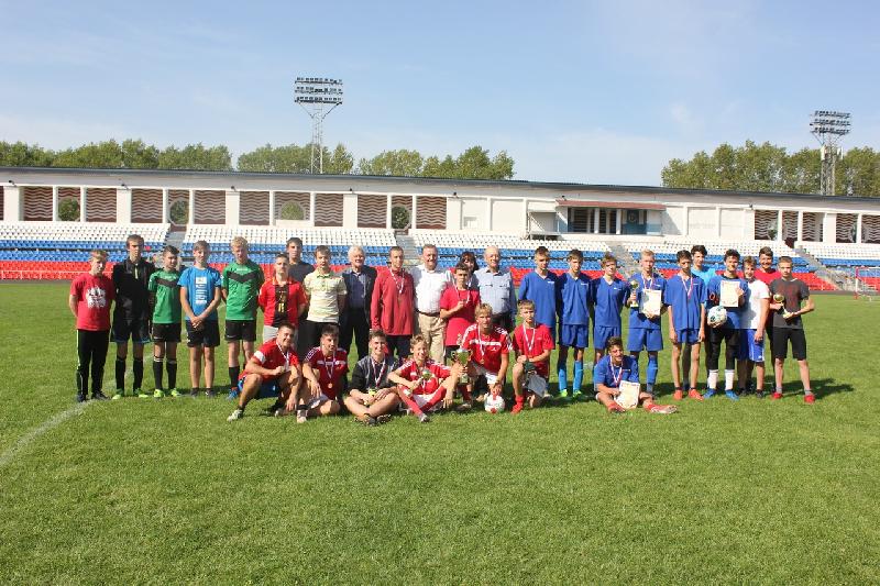 В Смоленске состоялся турнир по мини-футболу памяти Героя России С.А. Железнова