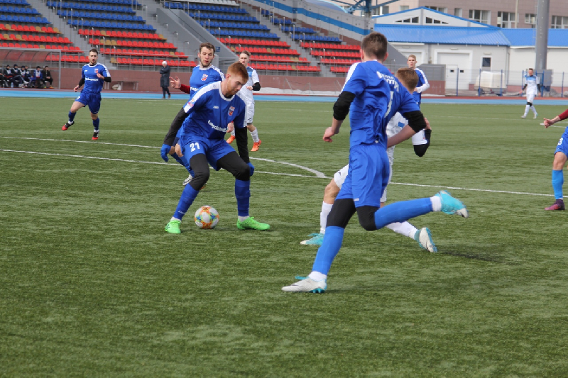 Смоленские футболисты начали студенческий чемпионат с победы