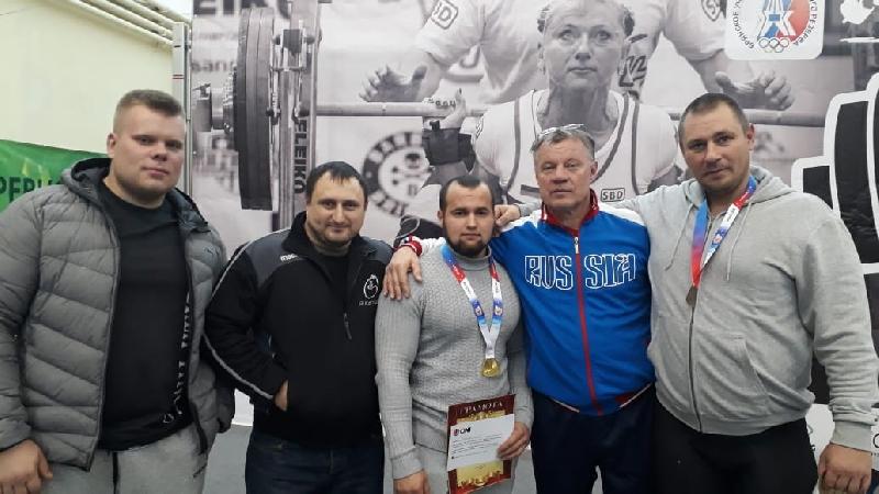 Смоляне выиграли две медали на чемпионате ЦФО по жиму штанги лежа