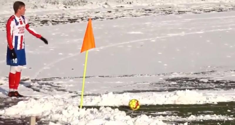 Снег футболу не помеха. Смоляне сыграли вничью с соперником из Калининграда