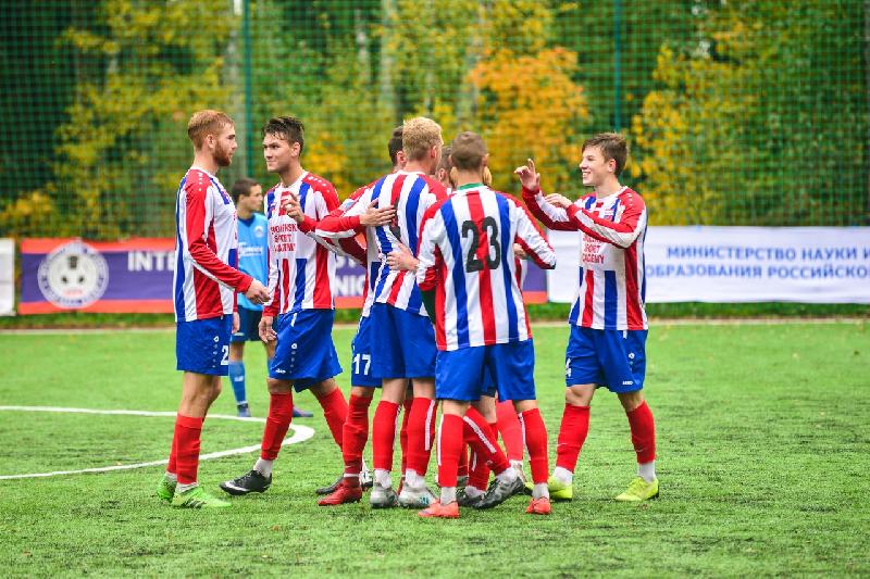 Смоленские футболисты выиграли второй матч первенства НСФЛ