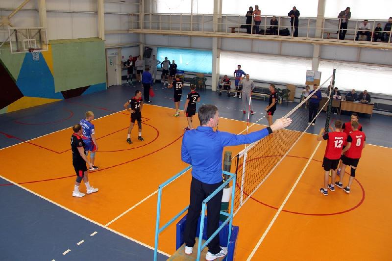 Смоленские волейболисты вышли в лидеры чемпионата