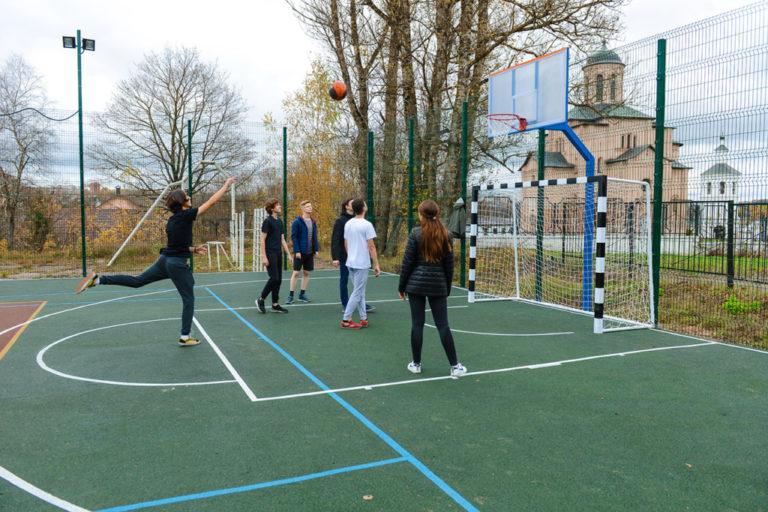 В Смоленске на реконструкцию школьных спортплощадок потребуются дополнительные деньги