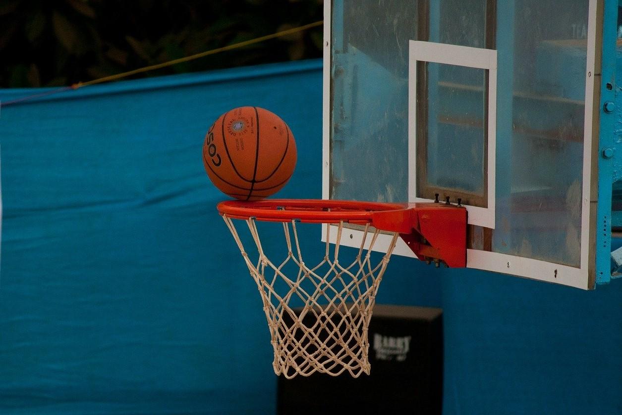 На Смоленщине проходит Открытая международная баскетбольная лига «Планета – оранжевый атом»