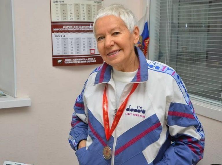 75-летняя смолянка пробежала 24-часовой марафон