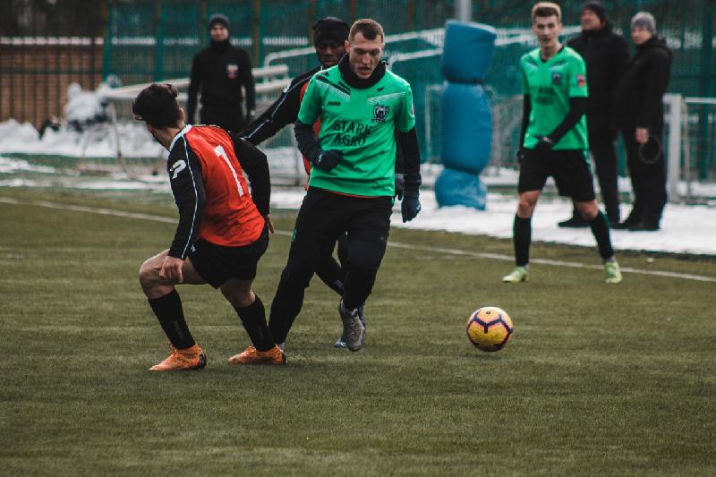 Смоленские «Волки» сокрушили «Баррикаду». «Красный-СГАФКСТ» выиграл в Москве