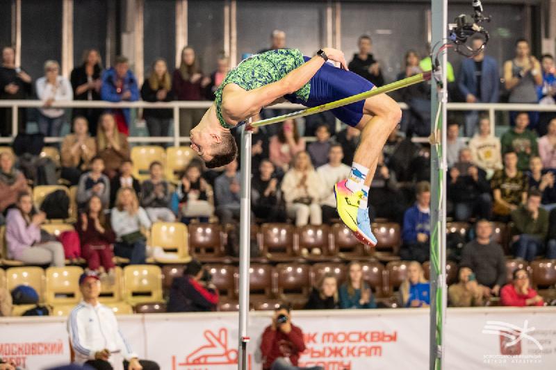 11 смелых. Как смоляне выступили на Кубке Москвы по прыжкам в высоту