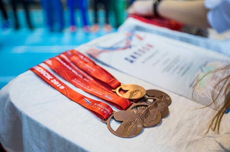 Смоленские легкоатлеты ударно провели чемпионат России