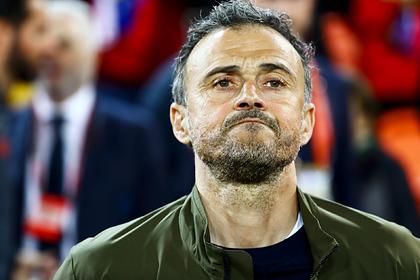 Тренер сборной Испании по футболу попросил о сокращении зарплаты