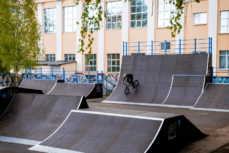 Скейт-парк в Смоленске стал масштабным и безопасным