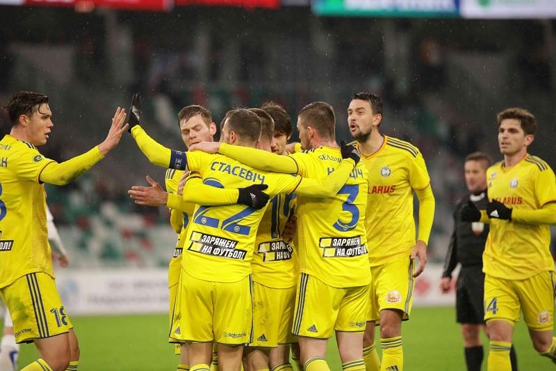 В стране, которая граничит со Смоленской областью, разыграли первый футбольный трофей во время пандемии