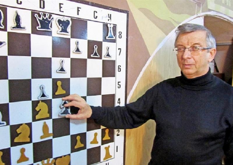 «Возраст — не помеха». 70-летний смоленский шахматист завоевал медаль на турнире в Швейцарии