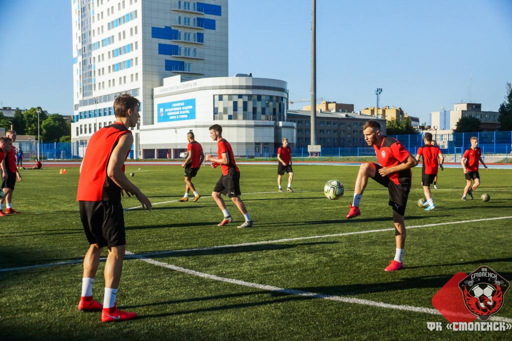 Футбольный клуб «Смоленск» провел первую после карантина тренировку
