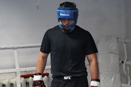 Нурмагомедов вернулся к тренировкам после смерти отца