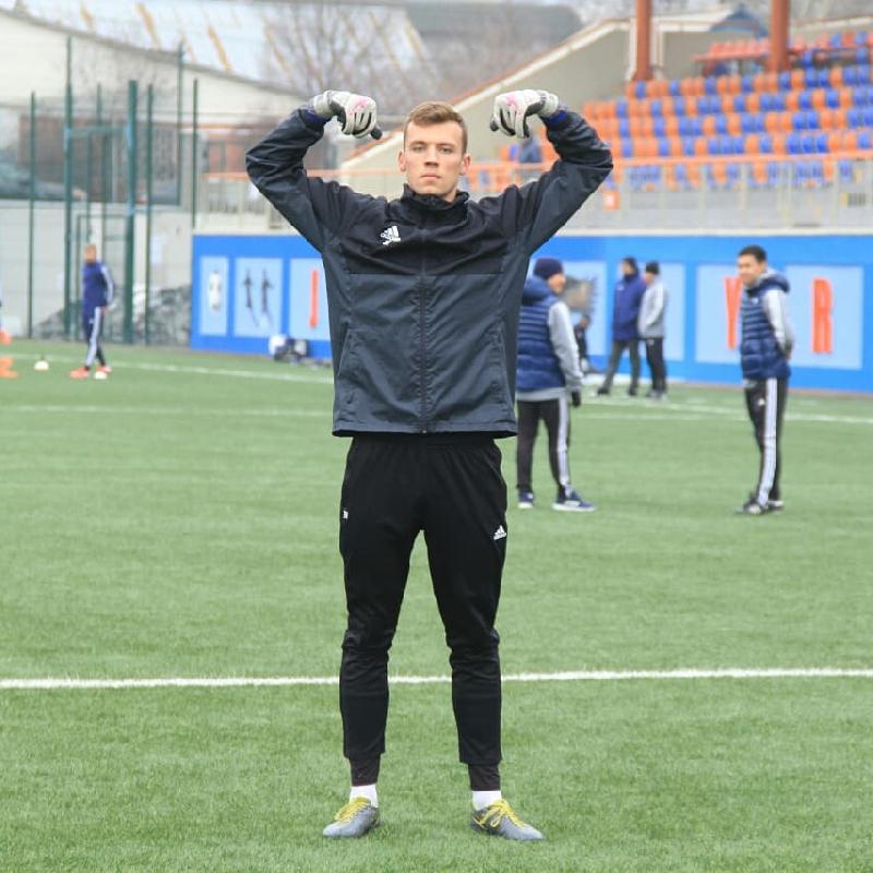 Смоленский футболист дебютировал в высшем дивизионе Казахстана