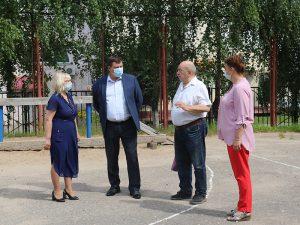В Смоленске отремонтируют спортивную площадку в средней школе №1