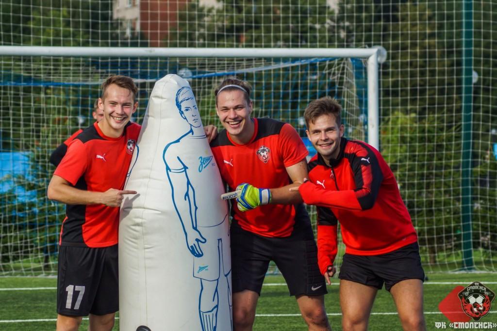 Футбольные клубы Смоленска не добыли побед в первом туре ПФЛ