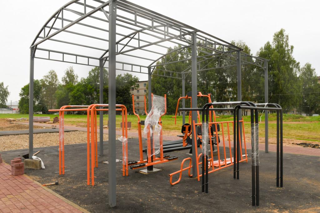 В Голынках строительство новой спортплощадки завершат к 1 сентября