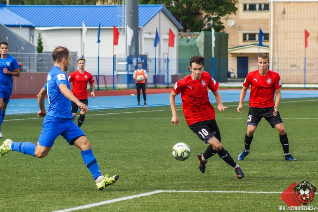 Смоленские футболисты уступили «Зениту»