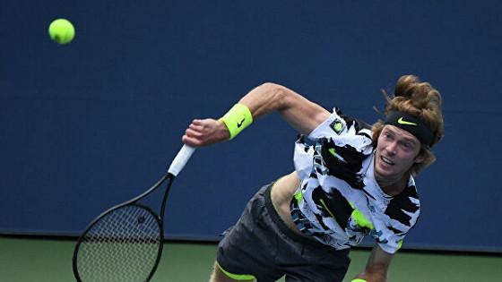 Рублев вышел в третий круг турнира в Гамбурге