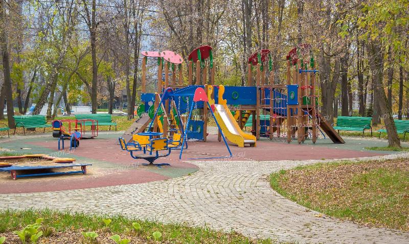 В кардымовском парке планируют построить спортивную и детскую площадки