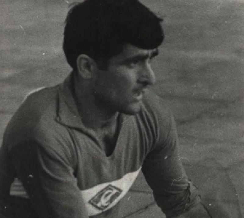 Чемпион и обладатель кубка СССР по футболу, который играл и тренировал в Смоленске, давал шанс местным воспитанникам
