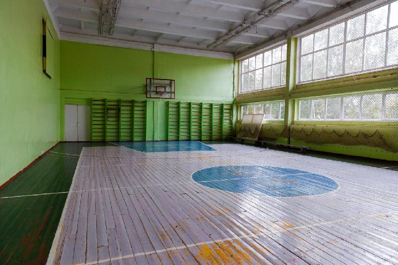 В Смоленской области в средней школе отремонтируют спортивный зал