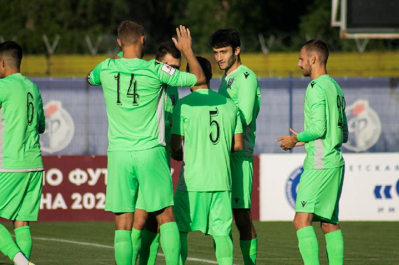 Клубы РПЛ интересуются защитником смоленской команды