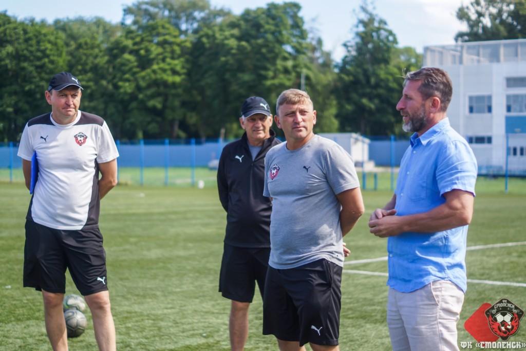 Футбольный клуб «Смоленск» уволил Сергея Гунько с поста главного тренера