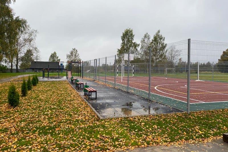 В деревнях Смоленской области устанавливают современные спортплощадки