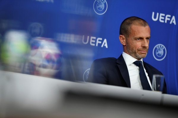 Глава УЕФА попросил ФИФА пересмотреть правило игры рукой