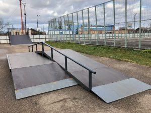 В смоленском райцентре обновили скейт-парк