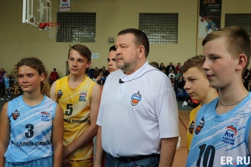 Сергей Фомин: Баскетбольные проекты на Смоленщине должны быть направлены в молодежную среду