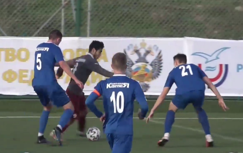 Сонное утро. Футболисты смоленской академии спорта сыграли против казанской команды