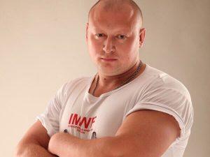 Смоленский атлет стал чемпионом России по мас-рестлингу