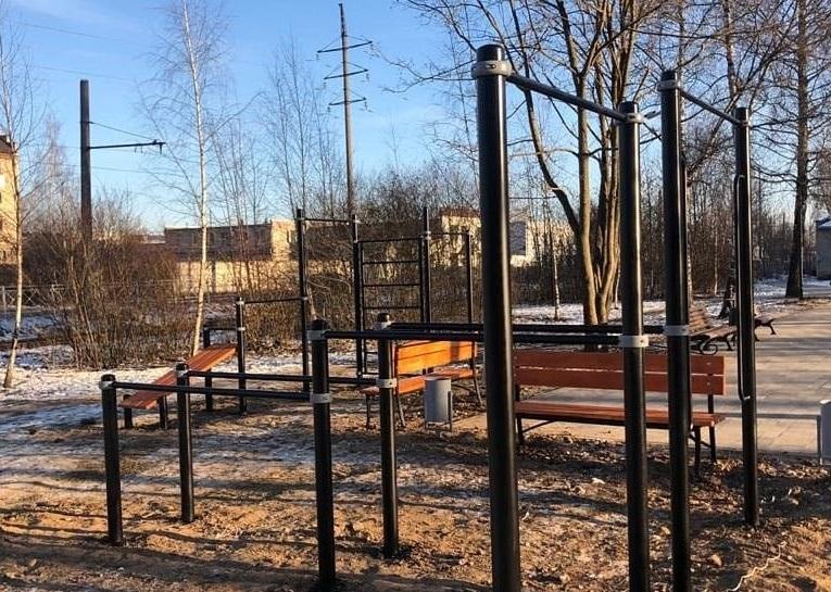 В Смоленске установили новую площадку для занятий воркаутом