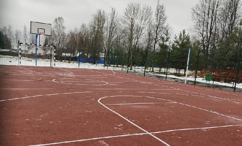 В смоленском поселке открыли новую спортивную площадку