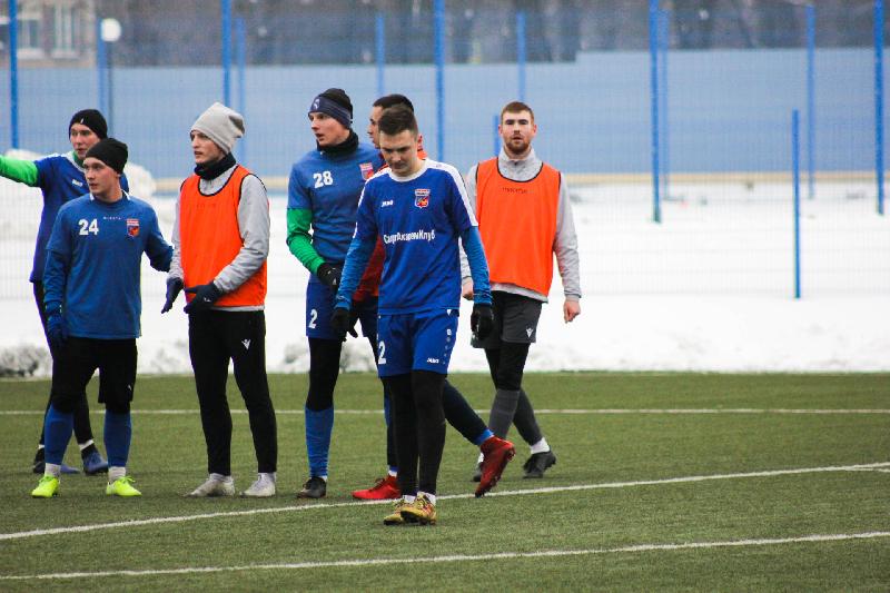 Смоленские футбольные клубы сразились в дерби