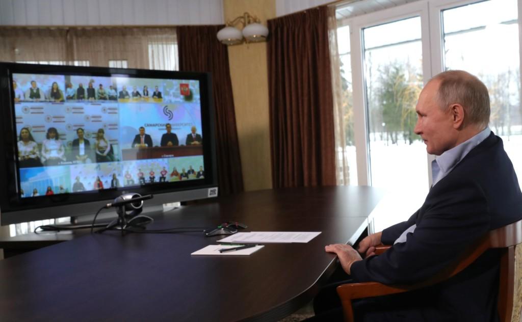 Владимир Путин высоко оценил спортивную инфраструктуру смоленской физакадемии