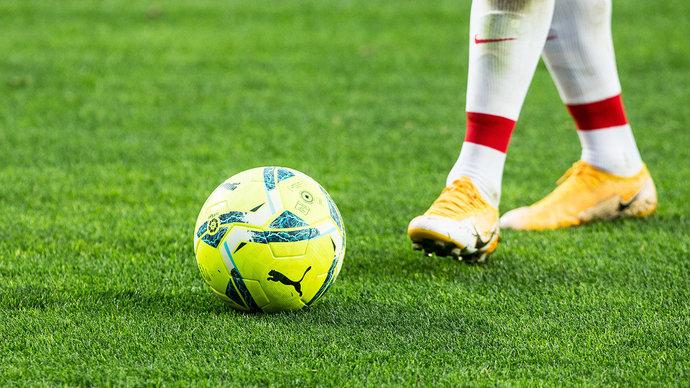В смоленских школах могут ввести урок футбола