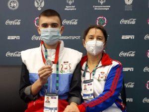 Ольга Окунева помогла фигуристу из Смоленска отправиться на соревнования