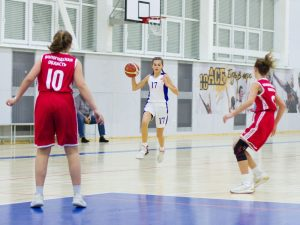 Смоленские баскетболистки отличились в Костроме