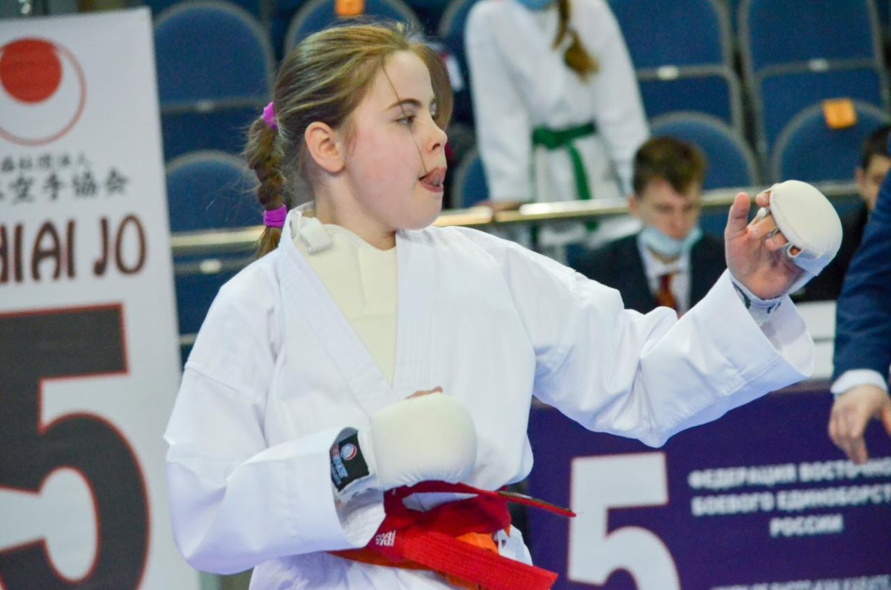 Смоленская школьница отличилась на чемпионате России по Восточному единоборству